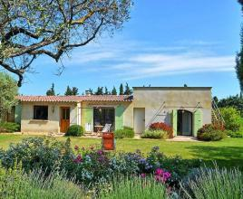 Holiday house in Mazan with pool, in Provence-Côte d'Azur.