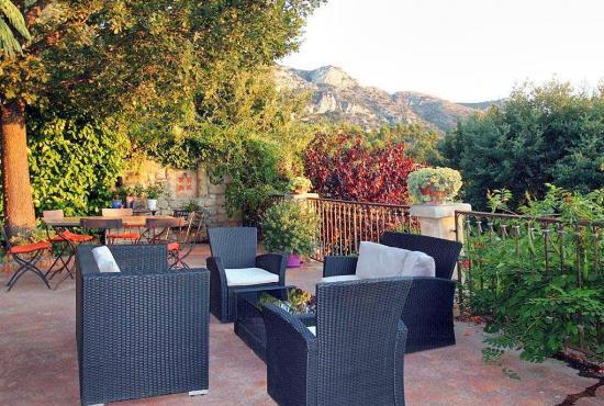 Holiday house in Robion, Provence-Côte d'Azur -
