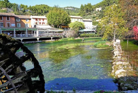 Vakantiehuis in Saint-Saturnin-lès-Apt, Provence-Côte d'Azur - Fontaine-de-Vaucluse