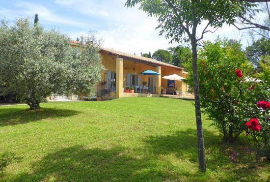 Vakantiehuis in Saint-Saturnin-lès-Apt, Provence-Côte d'Azur -
