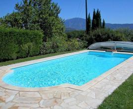 Holiday house in Crestet with pool, in Provence-Côte d'Azur.