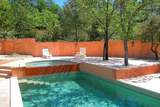 Holiday house in Flassan, Provence-Côte d'Azur -