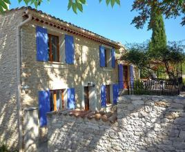 Holiday house in Villes-sur-Auzon with pool, in Provence-Côte d'Azur.