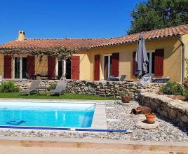 Holiday house in Malaucène with pool, in Provence-Côte d'Azur.