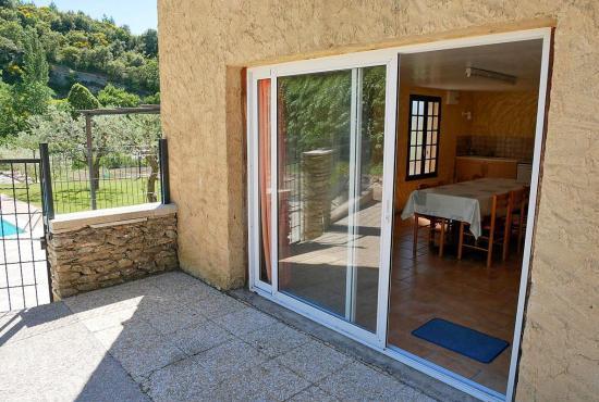 Vakantiehuis in Beaumont-du-Ventoux, Provence-Côte d'Azur - Zomerkeuken