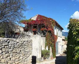 Ferienhaus in Crillon-le-Brave mit Pool, in Provence-Côte d'Azur.
