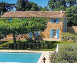 Vakantiehuis in Loriol-du-Comtat met zwembad, in Provence-Côte d'Azur.
