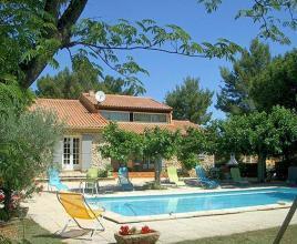 Vakantiehuis in Mazan met zwembad, in Provence-Côte d'Azur.