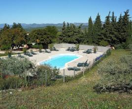 Casa vacanze con piscina in Malaucène, in Provence-Côte d'Azur.