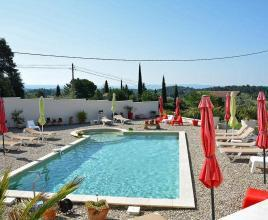 Holiday house in Bédoin with pool, in Provence-Côte d'Azur.