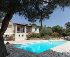 Vakantiehuis met zwembad in Provence-Côte d'Azur in Entrechaux (Frankrijk)