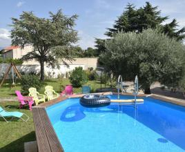 Holiday house in Caromb with pool, in Provence-Côte d'Azur.