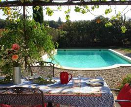 Holiday house in Bollène with pool, in Provence-Côte d'Azur.