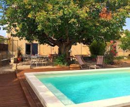 Vakantiehuis in Carpentras met zwembad, in Provence-Côte d'Azur.