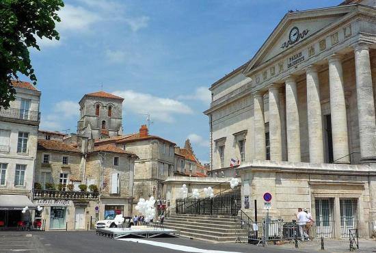 Location de vacances en Saint-Mathieu, Dordogne-Limousin - Angoulême