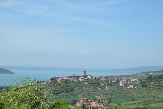Vakantiehuis in Ossaia, Toscane - Lago Trasimeno