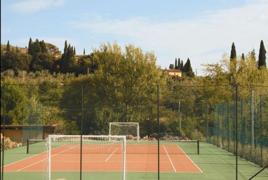 Location de vacances en Castiglion Fiorentino, Toscane - Court de tennis commun
