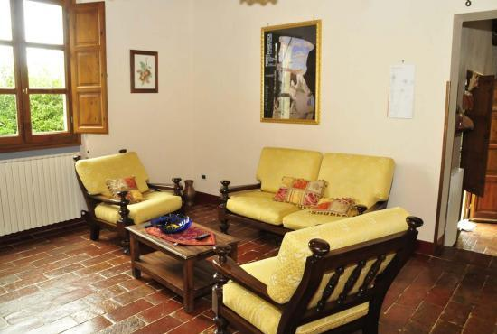 Location de vacances en Castiglion Fiorentino, Toscane - Salon dans la dépendance