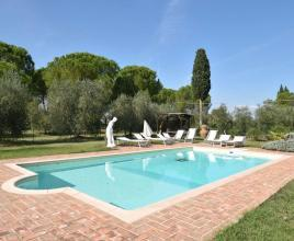 Holiday house in Marciana della Chiana with pool, in Tuscany.