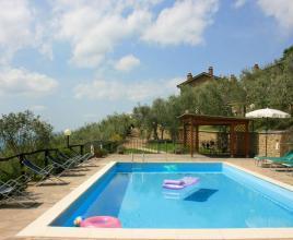 Casa vacanze con piscina in San Giustino Valdarno, in Toscana.