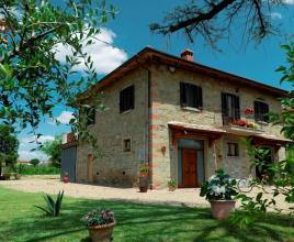 Holiday house in Castiglion Fiorentino with pool, in Tuscany.