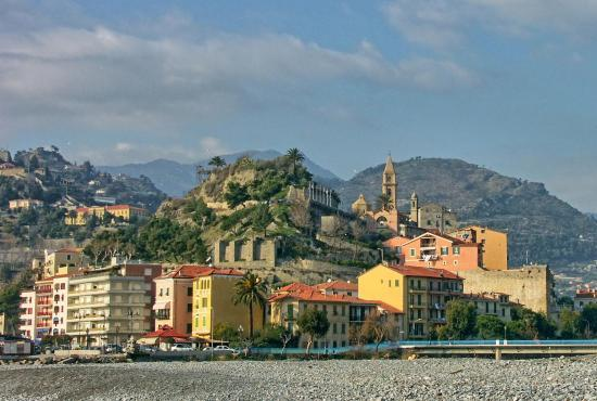Vakantiehuis in Dolceacqua, Ligurië - Vintimiglia