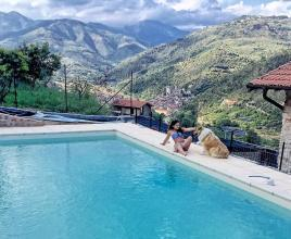 Holiday house in Dolceacqua with pool, in Liguria.