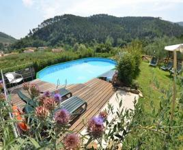 Holiday house in Sant'Andrea di Compito with pool, in Tuscany.