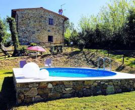 Ferienhaus in San Ginese di Compito mit Pool, in Toskana.