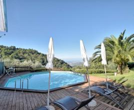 Holiday house in Chiatri with pool, in Tuscany.