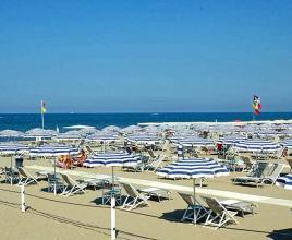 Holiday house in Lido di Camaiore near the sea, in Tuscany.