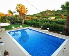 Holiday house in Trappeto with pool, in Sicily.