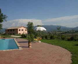 Holiday house in Pontebari with pool, in Umbria.