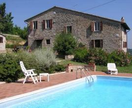 Holiday house in Montelaguardia with pool, in Umbria.