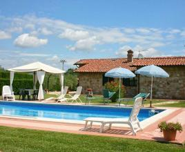 Holiday house in Castiglione del Lago with pool, in Umbria.