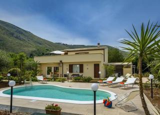 Vakantiehuis met zwembad in Sicilië in Castellamara del Golfo (Italië)