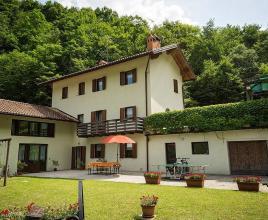 Vakantiehuis in Ala, in Trentino Alto Adigo.