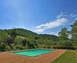 Holiday house in Trevinano with pool, in Lazio.