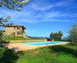 Holiday house in Grotte di Castro with pool, in Lazio.