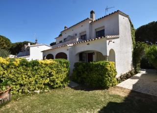 Holiday house in L'Escala with pool, in Costa Brava