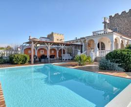 Vakantiehuis in Empuriabrava met zwembad, in Costa Brava.