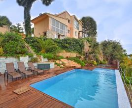 Vakantiehuis in Lloret de Mar met zwembad, in Costa Brava.