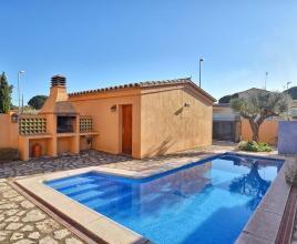 Vakantiehuis met zwembad in Costa Brava in L'Escala (Spanje)