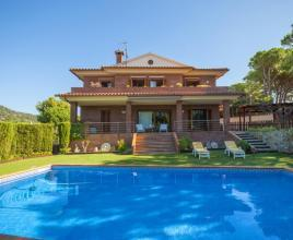 Holiday house in Lloret de Mar with pool, in Costa Brava.