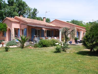 Vakantiehuis met zwembad in Provence-Côte d'Azur in Eyguieres (Frankrijk)
