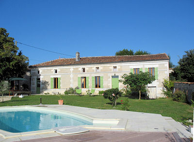 Vakantiehuis in Léoville met zwembad, in Poitou Charentes.