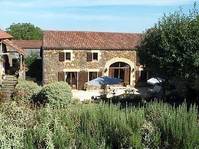 Vakantiehuis met zwembad in Dordogne-Limousin in Saint-Laurent-l