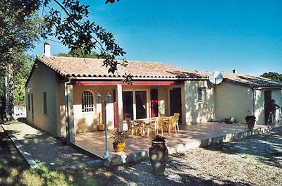 Vakantiehuis in Gonfaron met zwembad, in Provence-Côte d\