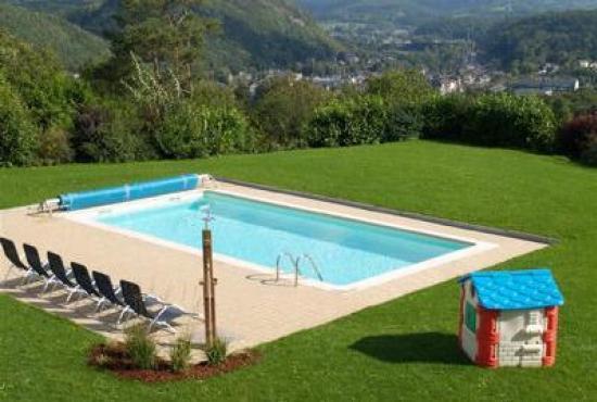 Location de vacances avec piscine en ardennes en aywaille for Camping ardennes avec piscine
