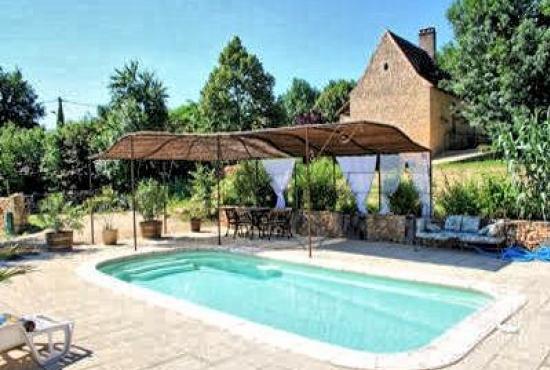 Location de vacances avec piscine en dordogne limousin en for Auvergne gites avec piscine